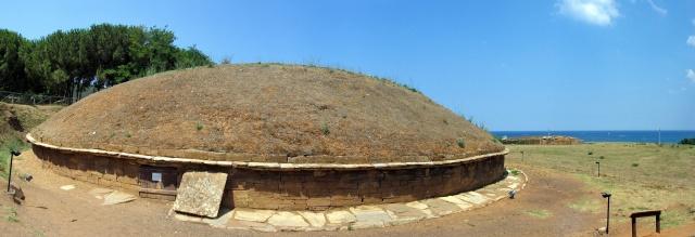 Tomba a tumulo (tomba dei carri, necropoli di San Cerbone, Populonia)